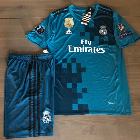 factory authentic 87514 99b89 Kids kit Real Madrid Ronaldo #7 adidas soccer NWT